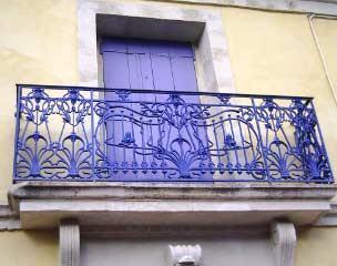 Gîte Le Tineiral à Néffiès Les Lavandes détail facade