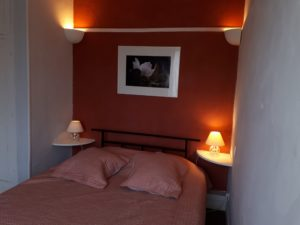 The guest appart Les Santolines, Room 1: double room ( bed 160cm) with bathroom and toilets